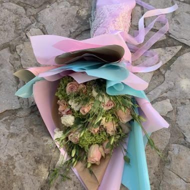 Buket sa roze cvecem